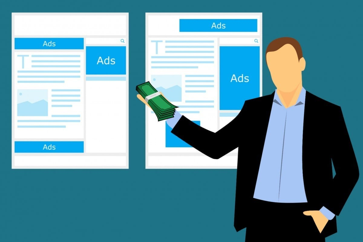 a man explaining about online ads